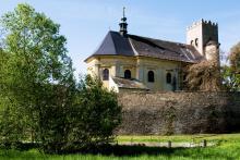 Kostel sv. Jiří v Nákle